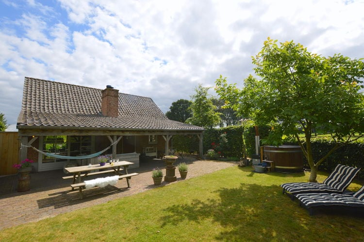 Lage-Mierde Vakantiewoningen te huur Prachtige woning met omheinde tuin met hottub en overdekt terras met haard