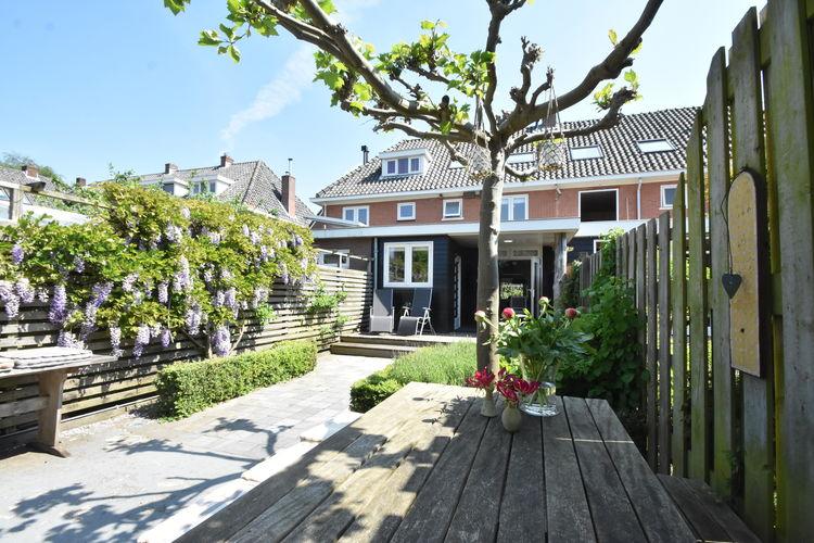 Vakantiewoning  met wifi  Castricum  Sfeervol huis met grote tuin in Castricum, dichtbij zee en strand.