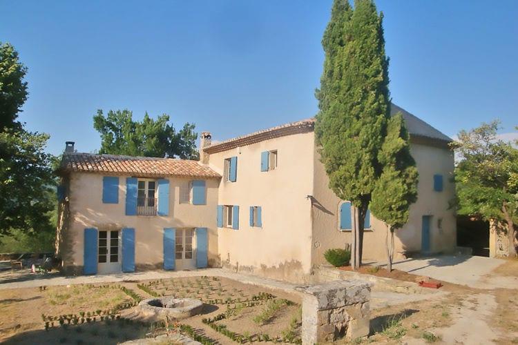 Prachtige Bastide met privé-zwembad op schitterend groot terrein in de Lubéron !