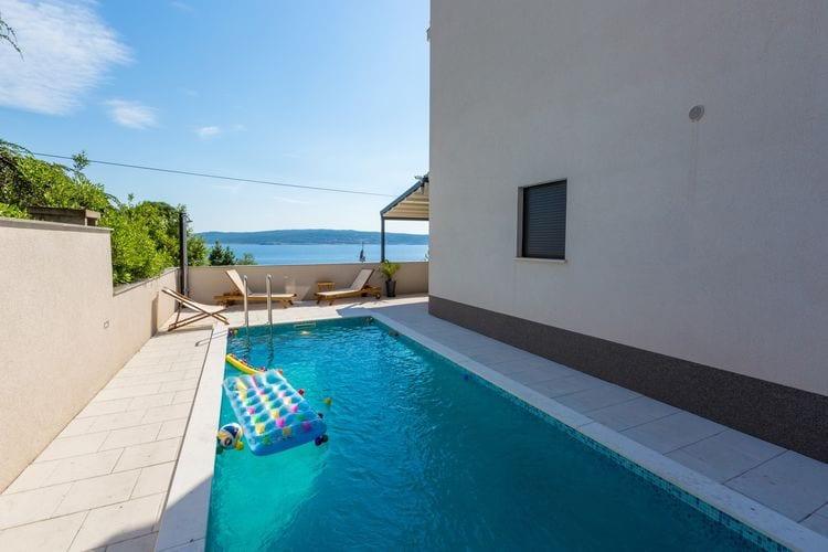 Vakantiehuizen Kroatie | Kvarner | Appartement te huur in Crikvenica met zwembad  met wifi 6 personen
