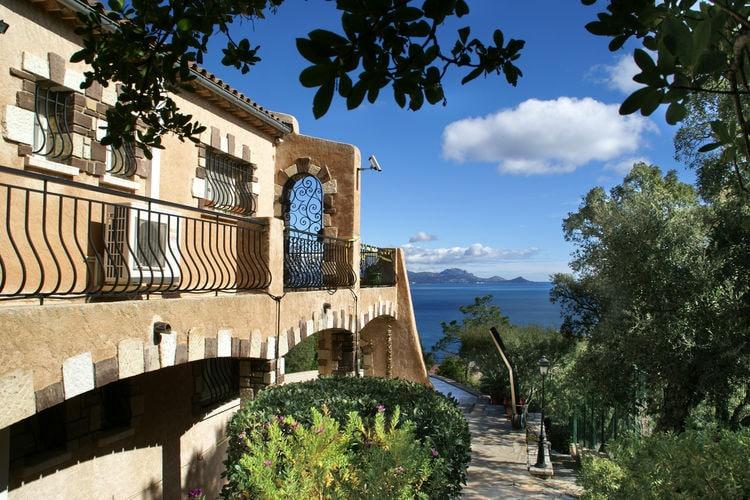 Villa met zwembad met wifi  Les-IssambresVergerie