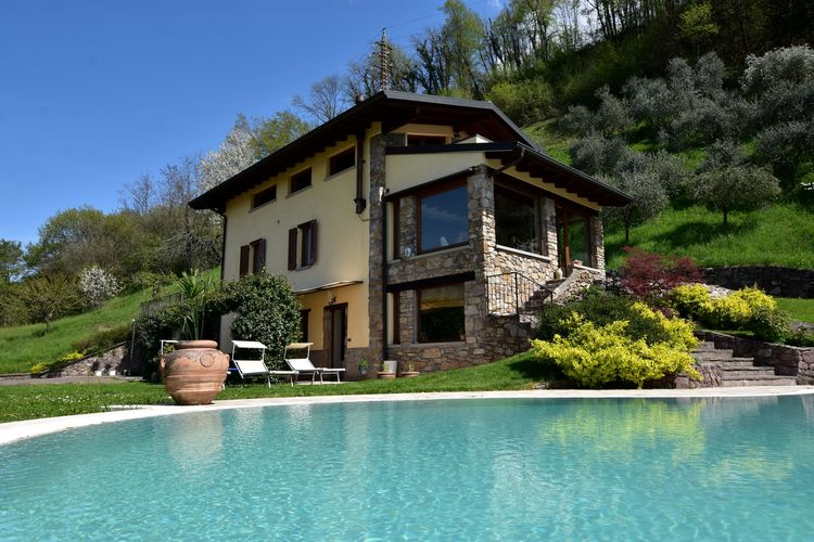 Villa Lakes of Italy