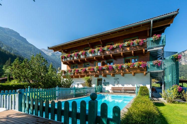 Vakantiehuizen Oostenrijk | Salzburg | Appartement te huur in Wald-im-Pinzgau met zwembad  met wifi 4 personen