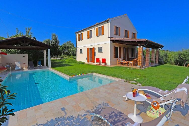 Italie | Marche | Villa te huur in Offida met zwembad  met wifi 8 personen