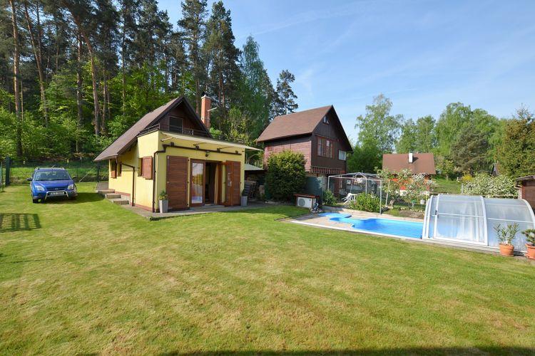 Chalet met zwembad met wifi  Modřišice  Vrijstaand vakantiehuis met verwarmd zwembad, overdekt terras, barbecue