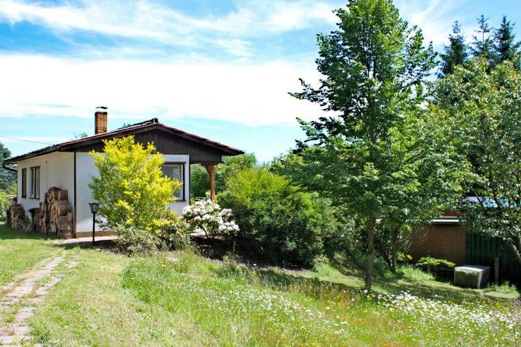 Vakantiewoning    Bad Elster  Vrijstaand vakantiehuis met overdekt terras in Vogtland