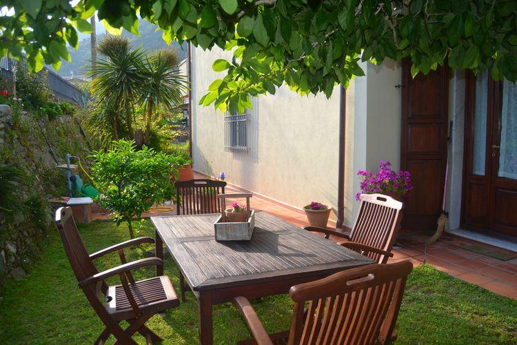 Appartement  met wifi  Ameglia (SP)  Comfortabel appartement in Ameglia, aan de voet van de heuvel