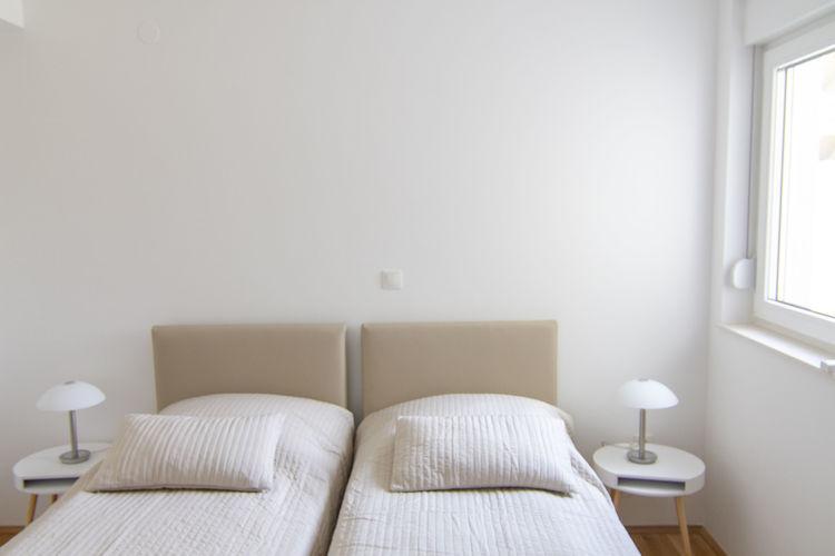 Ref: HR-00011-80 2 Bedrooms Price