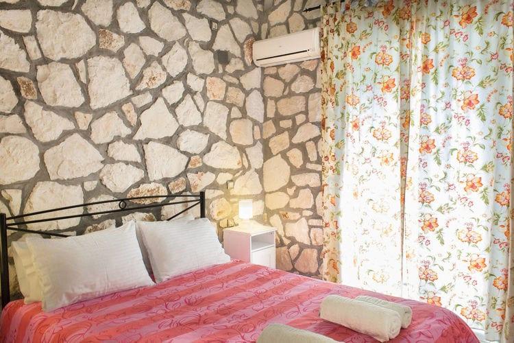 Ref: GR-29092-03 2 Bedrooms Price