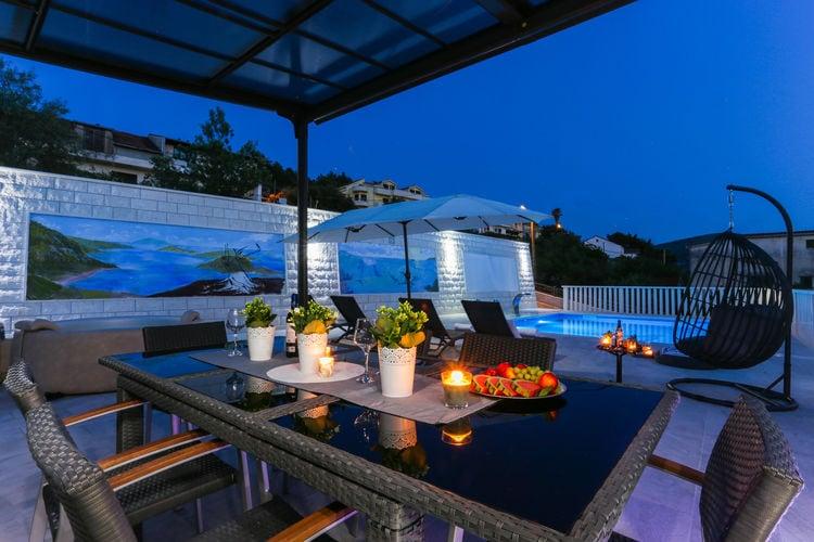 Kroatie | Dalmatie | Villa te huur in Marina met zwembad  met wifi 7 personen