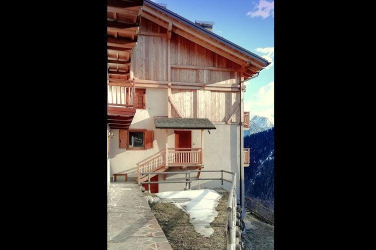 Trentino-alto-adige Chalets te huur Volledig gerenoveerd chalet, zeer panoramische ligging.