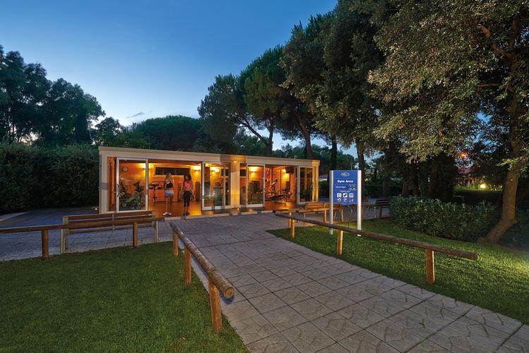 Chalets Italie | Campania | Chalet te huur in Baia-Domizia-CE met zwembad  met wifi 5 personen