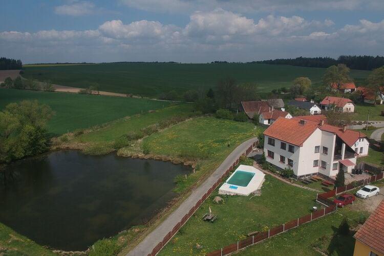 Villa met zwembad met wifi  Skrýchov u Malšic  Pavel