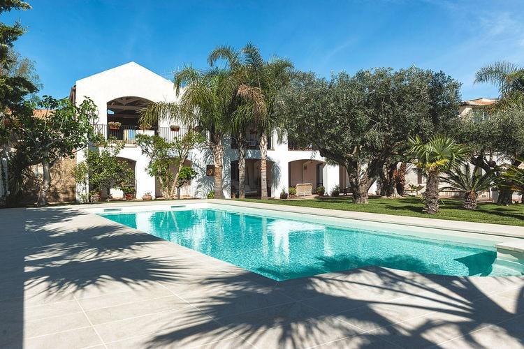 Marsala Vakantiewoningen te huur Elegant appartement in een villa, met zwembad en tuin, op enkele km van zee!