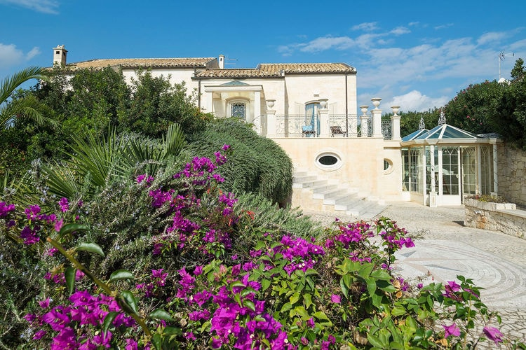 Villa met zwembad met wifi  SiciliaDragovilla