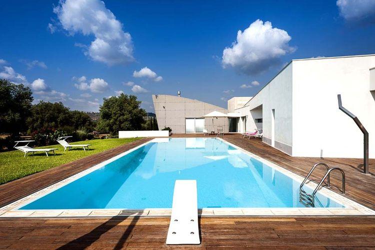 Italie | Sicilia | Villa te huur in Floridia met zwembad  met wifi 12 personen