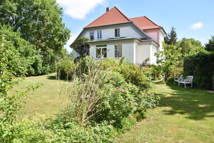 Appartement  met wifi  WittenbeckLandvilla in Wittenbeck unweit des Ostseestrandes