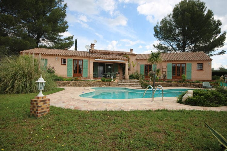 Villa met zwembad   Salernes  Mediterraanse vakantiewoning, met grote tuin en privé zwembad