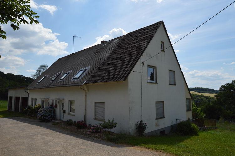 Appartement  met wifi  Hohenstein  Comfortabele bovenwoning in bosrijke en rustieke omgeving op boerderij