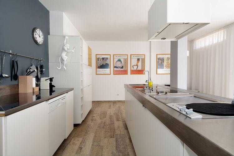 Ref: ES-35625-01 2 Bedrooms Price