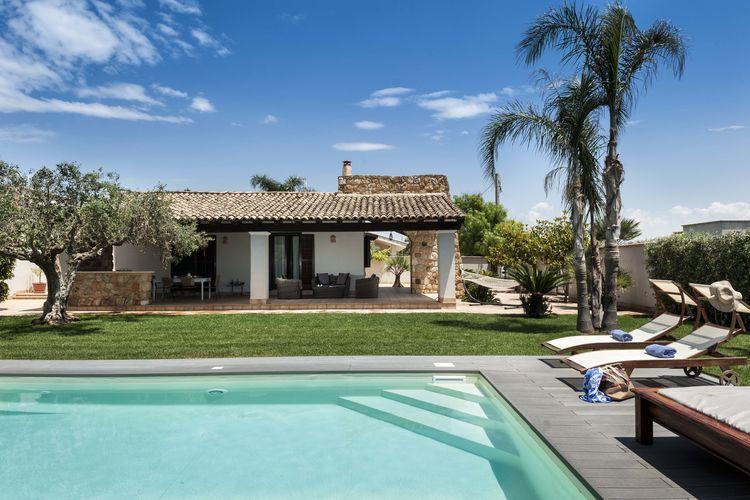 Villa met zwembad met wifi  SiciliaRosalbi