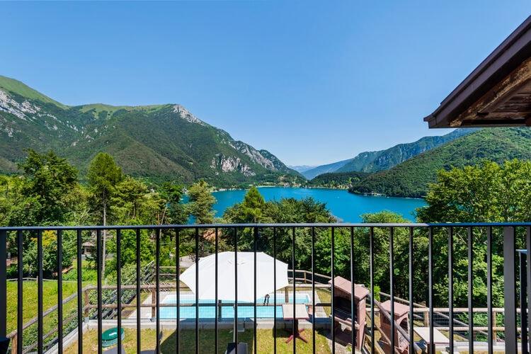Vakantiehuizen Italie | Italiaanse-Meren | Vakantiehuis te huur in Ledro met zwembad  met wifi 6 personen
