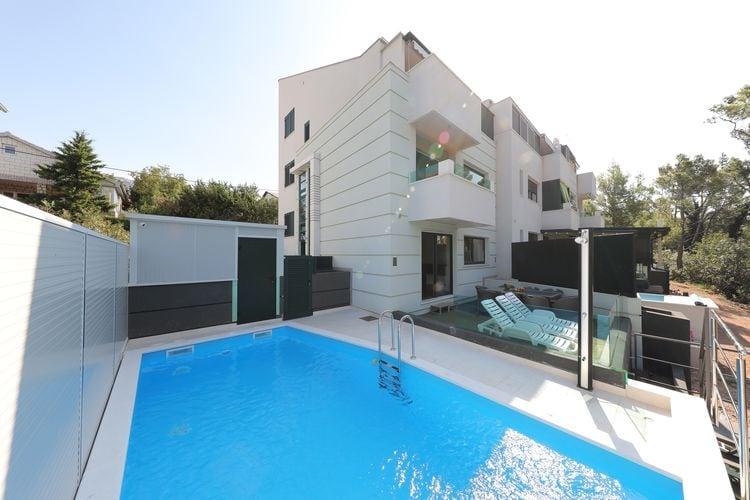 Kroatie | Dalmatie | Villa te huur in Seline met zwembad  met wifi 15 personen