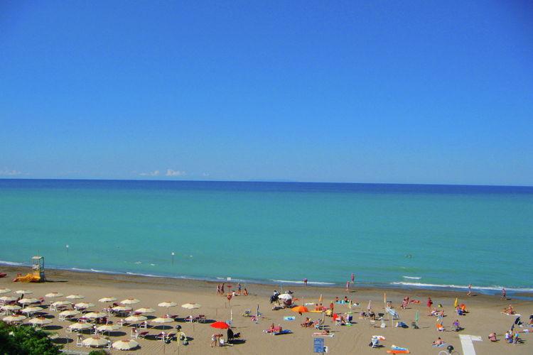 Appartement direct gelegen aan het strand van Marina di Castagneto Carducci