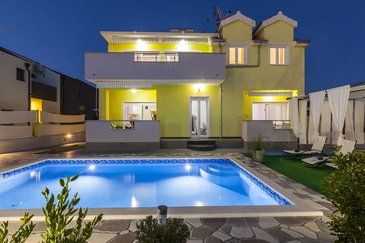Kroatie | Dalmatie | Villa te huur in Sibenik met zwembad  met wifi 10 personen