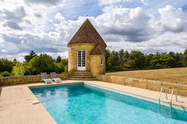 Vakantiehuis met zwembad met wifi  AuvergneManoir avec piscine privée