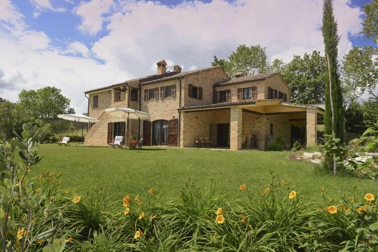 Italie | Marche | Villa te huur in Recanati met zwembad  met wifi 10 personen