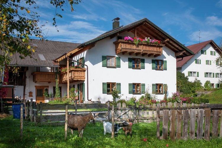 Duitsland | Beieren | Appartement te huur in Burggen   met wifi 5 personen