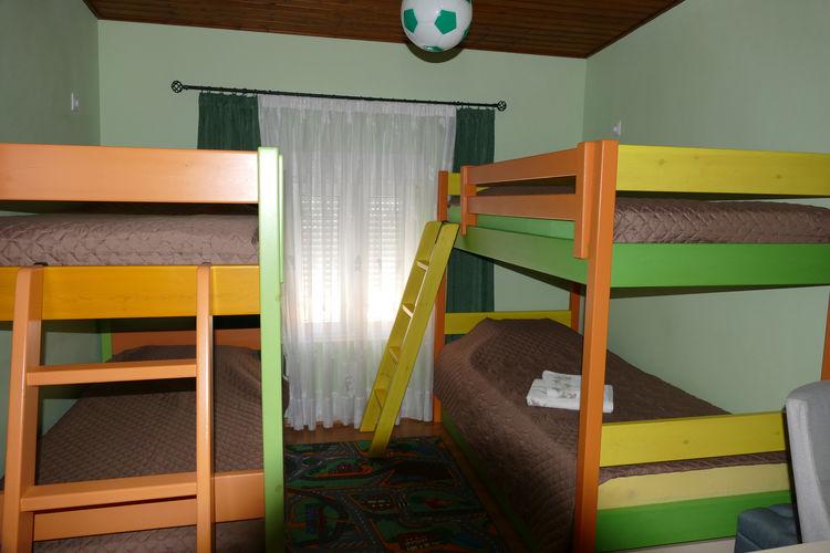Ref: GR-19007-01 3 Bedrooms Price