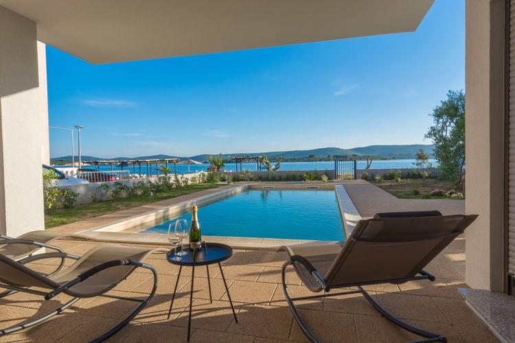 Kroatie | Dalmatie | Villa te huur in Turanj met zwembad  met wifi 10 personen