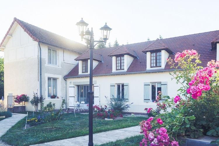 Vakantiehuis met zwembad met wifi  AuvergneMaison avec piscine en Auvergne