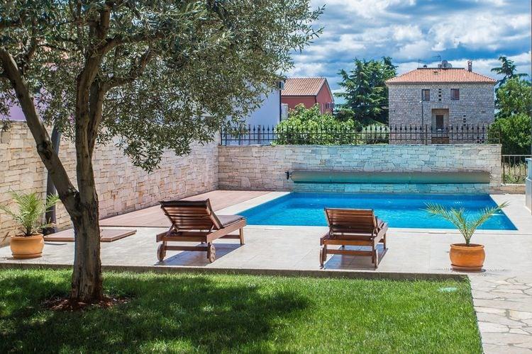 Appartement met zwembad met wifi  Novigrad  Fijn appartement met gezamenlijke tuin en zwembad, vlakbij Novigrad en strand