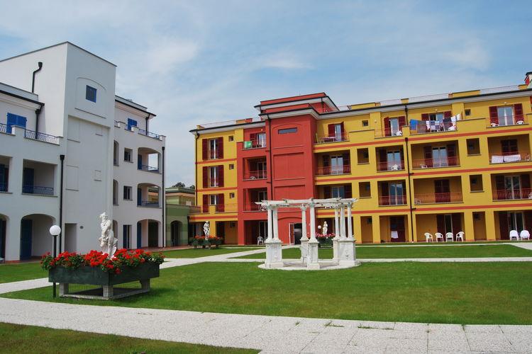 Loano Vakantiewoningen te huur Deze moderne appartementen zijn gelegen in een faciliteitrijke residentie met privéstrand