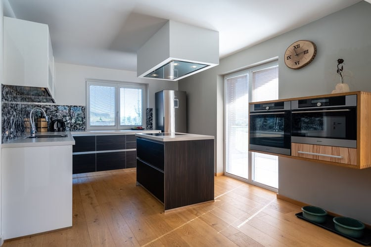 Ref: AT-5732-24 3 Bedrooms Price