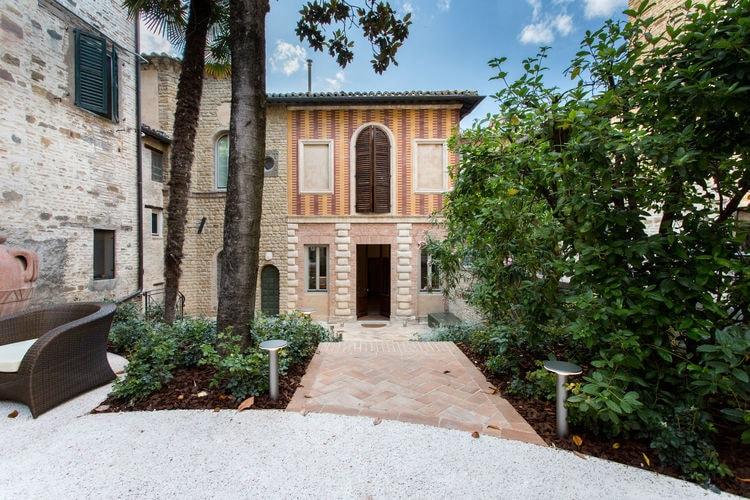 Appartement  met wifi  San Severino Marche  Bijzondere historische residentie met spa uit de zestiende eeuw in het centrum