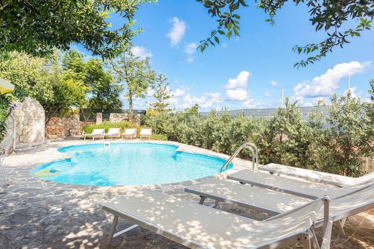 Appartement met zwembad met wifi  Castellammare del Golfo  Bougan