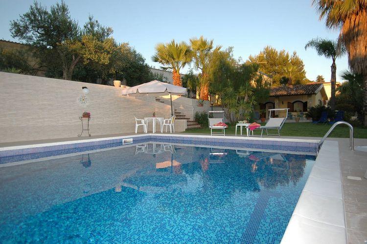 Villa met zwembad met wifi  SiciliaAzzurra