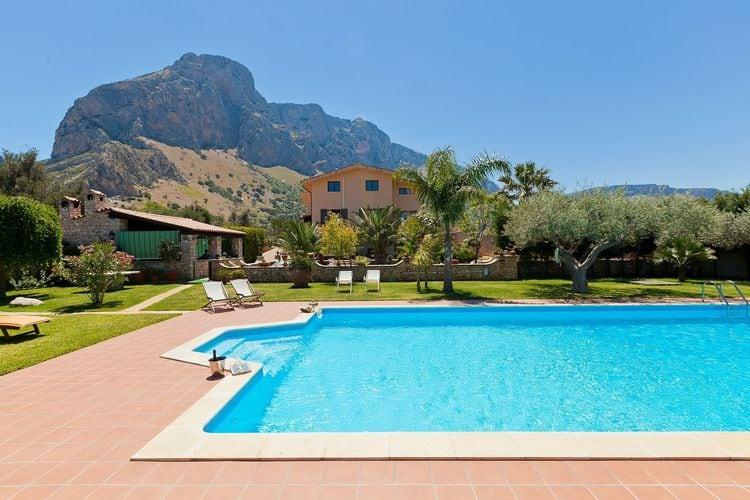 Villa met zwembad met wifi  SiciliaCarta