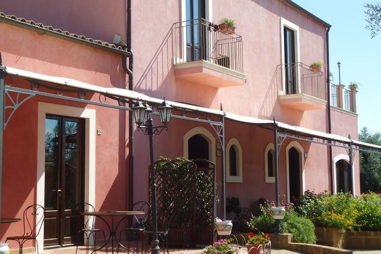 Vakantiewoningen Carlentini te huur Carlentini- IT-96013-06 met zwembad  met wifi te huur