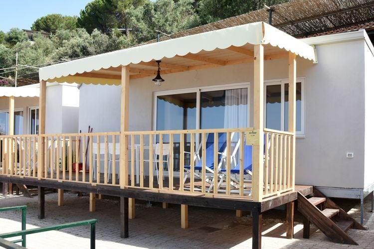 Italie | Campania | Bungalow te huur in Caprioli-di-Pisciotta met zwembad   4 personen