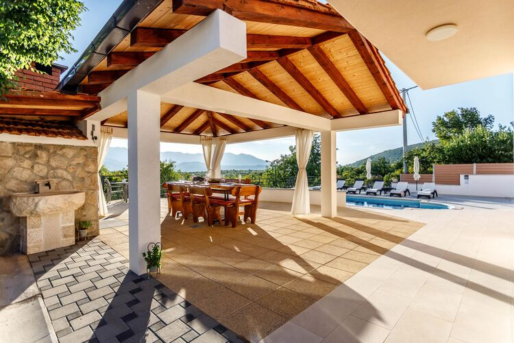 Villa Kroatië, Dalmatie, Blato na Cetini, Omiš Villa HR-00014-68
