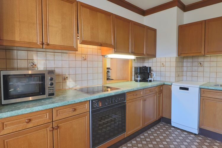 Ref: AT-5741-85 4 Bedrooms Price