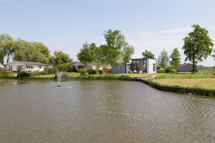 Chalet met zwembad met wifi  Berkhout  Luxe chalet met veel glas, op Park Westerkogge met zwembad, niet ver van Hoorn