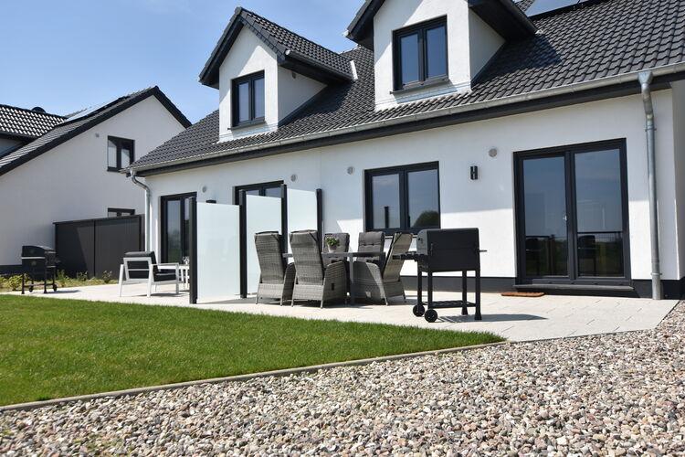 Vakantiehuis  met wifi  KuhlungsbornFerienhaus Wildrose 1 in Kühlungsborn mit Terrasse und Garten