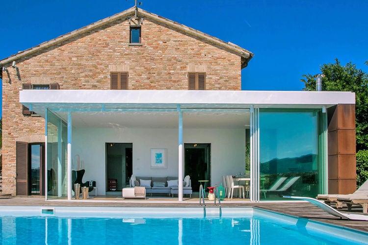 Italie | Marche | Villa te huur in Urbania met zwembad  met wifi 11 personen