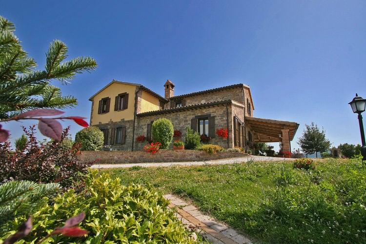 Villa met zwembad met wifi  Urbania  Villa met privézwembad, tuin, mooi uitzicht, dichtbij Urbania